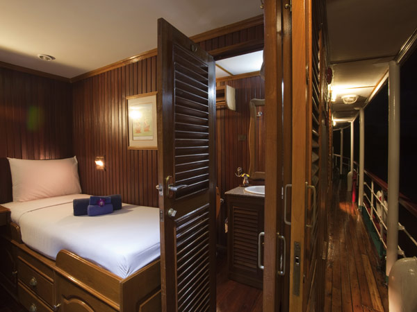 Enjoy a bit of luxury aboard RV River Kwai with our ten comfortably furnished, air conditioned twin share cabins.