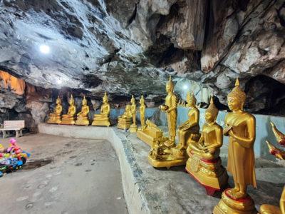 Wat Tham Khao Poon
